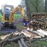 Brennholz spalten dürfte mit dem Baggerspalter von Deitmer kein Problem mehr sein
